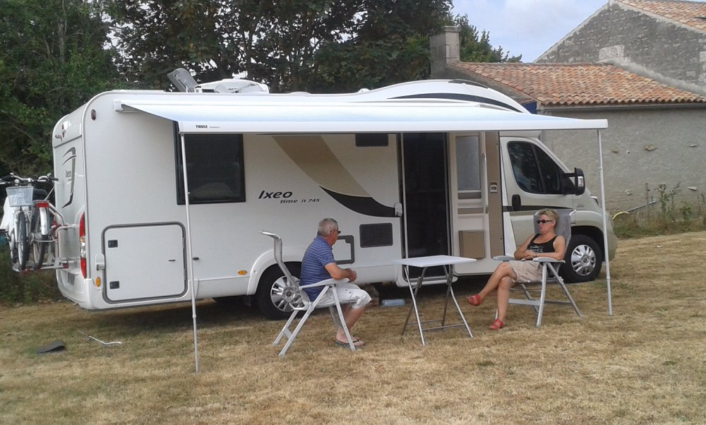 Aire camping-car à Oulmes (85420) - Photo 2